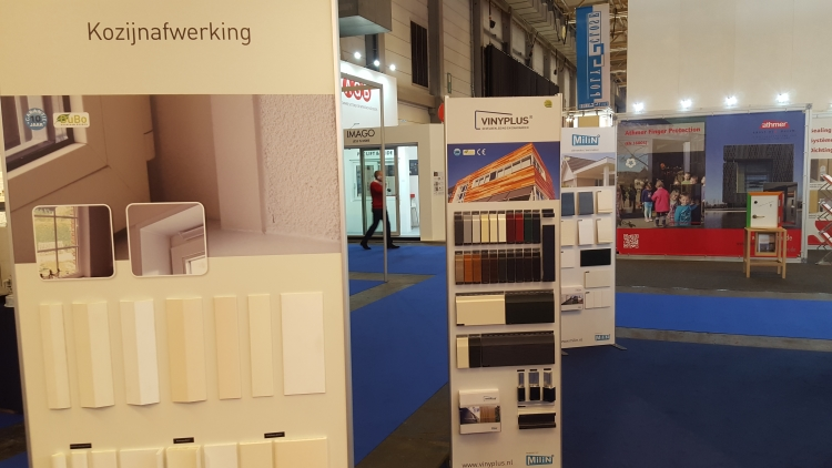 displays stand milin